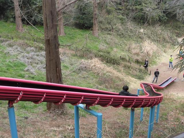 三ツ池公園 上から見たすべり台