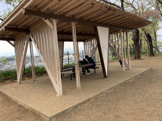 夢見ヶ崎動物公園の休憩所
